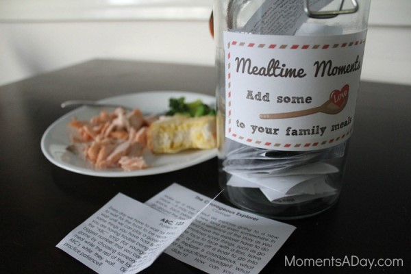 8 Ways to Make Your Set of Mealtime Moments (Free Download)