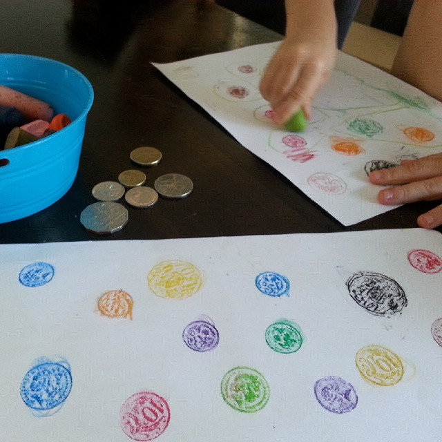 A little coin rubbing and crayon drawing this morning for Mr 3 while my oldest adds up coins with the calculator. #creativekids #mathplay #playmatters #creativetable