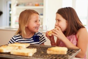 How to Teach Friendliness to Young Children