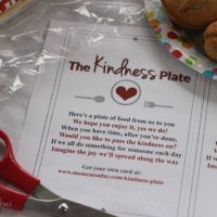 Fun printable to make a Kindness Plate act of kindness that keeps on giving