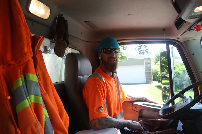 Act of Kindness Make a Card for your Neighbourhood Waste Collection Operator