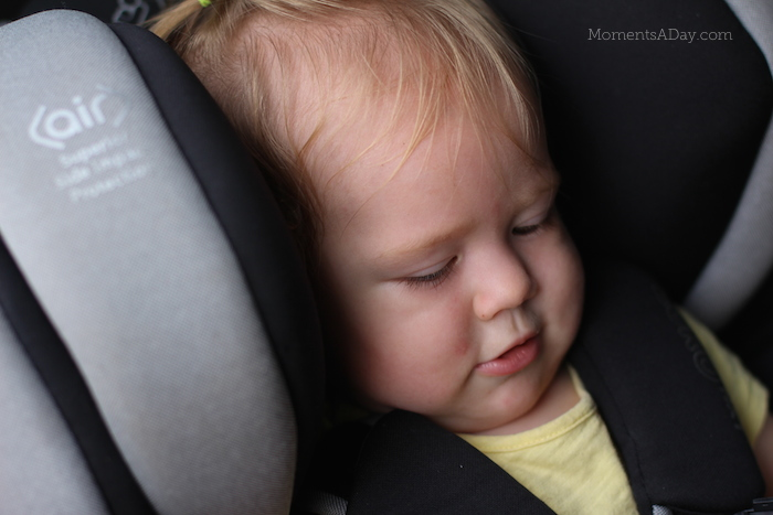 How to choose a safe carseat when you go on a road trip with a baby in tow